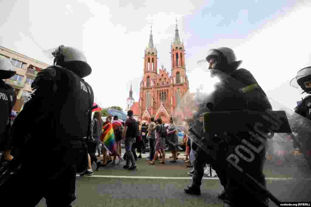 Парад прайшоў каля некалькі асноўных беластоцкіх касьцёлаў.