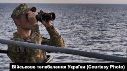 Матрос ВМС Украины на Азовском море. Архивное фото.