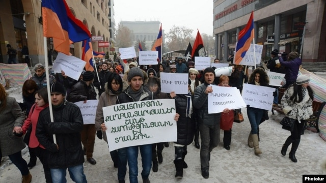Armenia - A demonstration in support of Shant Harutiunian and other arrested anti-government activists, Yerevan, 10Jan2014.