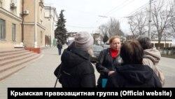В Керчи судят активистку Юлию Журавлеву за участие в пикете в поддержку Олега Зубкова