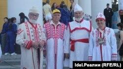 Виталий Станьял (первый слева) на празднике Акатуй-2018 в Чебоксарах