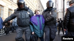 Жесткие действия полиции в Петербурге