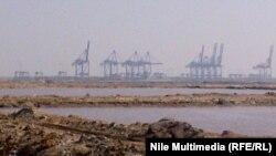 ميناء شرق التفريعة في بورسعيد
