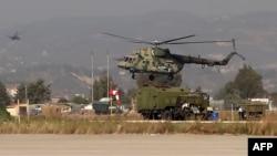 Хмеймимдегі Ресей әскери тікұшағы, Сирия.