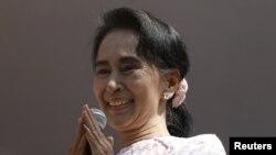 Лидер оппозиционной Национальной лиги за демократию Аун Сан Су Чжи