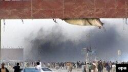 يک بمبگذار انتحاری روز نهم فوريه سال جاری، در برنامه انتخاباتی حزب ملی عوامی در ايالت سرحد پاکستان، ۳۰ نفر را به کشتن داد و ۵۰ تن ديگر را مجروح کرد.