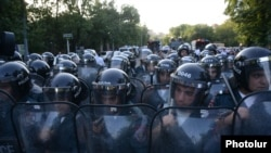 Armenia -- Riot police confront protesters on Marshal Bagramian Avenue, Yerevan, 22Jun2015