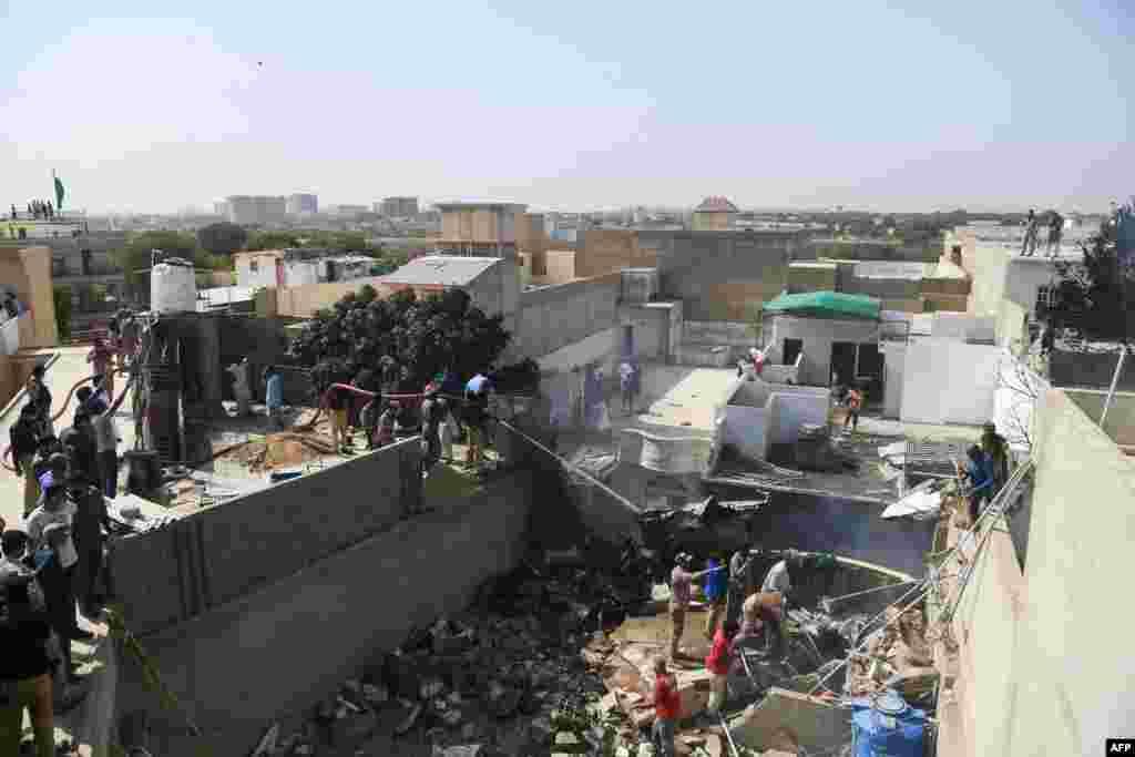 سقوط طیاره مسافربری پاکستان در شهر کراچی