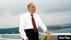 Heydar Aliyev handed power to his son in 2003.