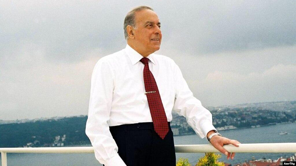 Əbədiyaşar lider...