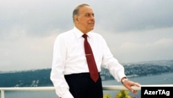 Heydər Əliyev İstanbulda
