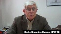 Благој Зашов, поранешен дипломат.