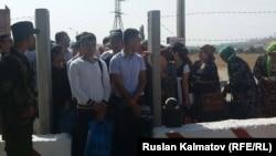 Пункт пропуска «Баймак» на кыргызско-узбекской границе. 21 сентября 2017 года.