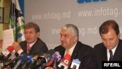 Mihai Ghimpu, Serafim Urechean, Vlad Filat