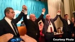 Müsavat partiyasının qurultayından sonra partiyanın liuderləri birlik nümayiş etdirirlər. 27 sentyabr 2014