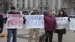 Київську міліцію обійняли живим ланцюгом