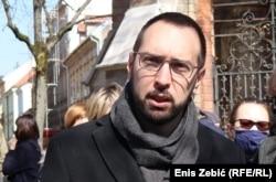Očekujem da se odgovorni što prije pronađu, odnosno kazne te da se napadi tretiraju kao zločini iz mržnje, priopćio je gradonačelnik Zagreba Tomislav Tomašević