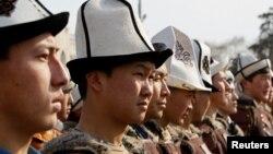 Ак калпак күнүнө арналган иш-чаранын катышуучулары, Бишкек, 4-март 2021-жыл.