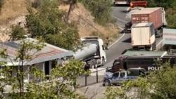 Գորիս – Կապան ճանապարհին դիմակավորված ու զինված ադրբեջանցիները շարունակում են կագնեցնել իրանական բեռնատարները