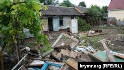 Разрушения после наводнения в Куйбышево Бахчисарайского района, 6 июля 2021 года