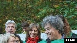 Том Стоппард на Воробьевых горах среди студентов МГУ
