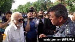 Ոստիկանապետ Վլադիմիր Գասպարյանը Բաղրամյան պողոտայում, 26-ը հունիսի, 2015թ.
