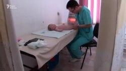 Незрячий Чингиз освоил профессию массажиста