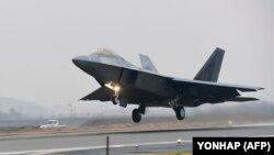 Two U.S. F-22 warplanes were scrambled in the incident. (file photo)