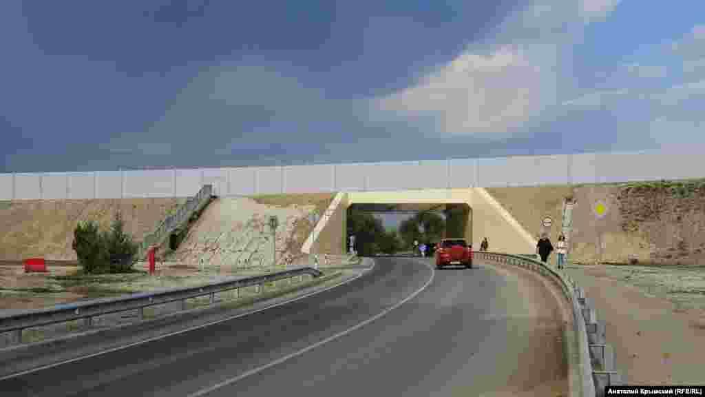Дорога к Марсианскому озеру теперь проходит под автотрассой «Таврида»
