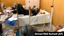 آرشیف، شماری از افرادیکه در یک حمله انتحاری در زابل زخمی شده اند.