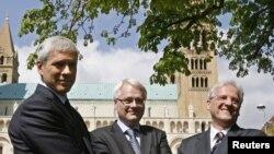 Ппрезиденти Угорщини Ласло Шойом, Хорватії Іво Йосипович та Сербії Борис Тадіч під час зустрічі в місті Печ (Угорщина), 16 квітня 2010 року