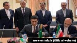 Türkmen delegasiýasy Tährana sapar etdi.