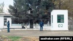 Полицейский пункт в Ашхабаде (иллюстрация)