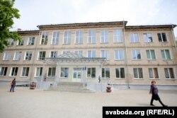 Школа, якую скончыў Патаповіч