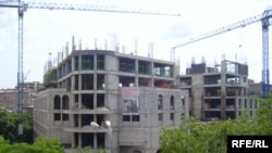 Armenia -- An incomplete construction site in Yerevan, 2009