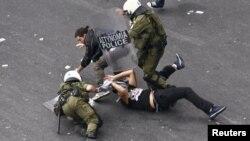 Հունաստան - Ցուցարարների եւ ոստիկանների միջեւ բախում մայրաքաղաք Աթենքում, հոկտեմբեր, 2012թ.