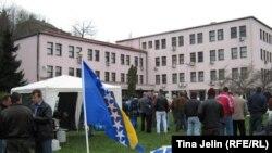 Radnički protesti pred Vladom Federacije BiH u martu 2011.