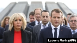 ARMENIA -- French President Emmanuel Macron, First Lady Brigitte Macron, members of the French delegation and Armenian officials visit the Tsitsernakaberd Armenian Genocide Memorial in Yerevan, October 11, 2018