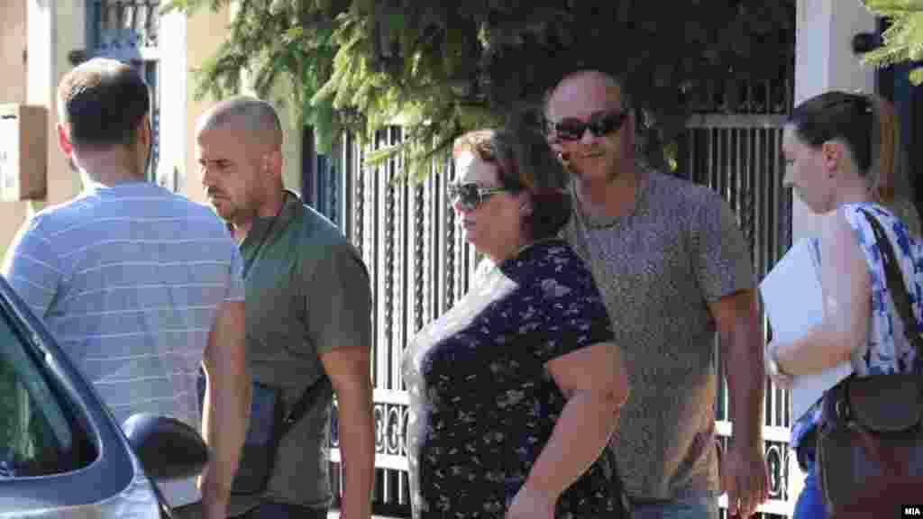 МАКЕДОНИЈА - Кривичниот суд Скопје го одобри обвинителниот акт за случајот Рекет, соопштуваат од Судот. Советот за оценка на обвинителен акт на Основниот кривичен суд ги отфрлил приговорите поднесени од осомничените во случајот и го прифаѓа обвинението.