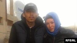 Касым Каракаш с сестрой Гульсум в селе Улуу Памир.