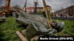 Marşal Ivan Konevin heykəli aprelin 3-də götürülüb