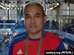 Тренер по боксу Дамир Буданбеков. Астана, май 2012 года.