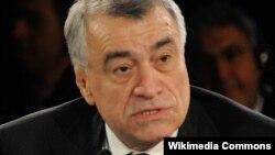 ناطق علییف وزیر نفت جمهوری آذربایجان
