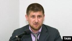 По мнению эксперта, у Кадырова в спортивном костюме шансов на президентство в Чечне было больше