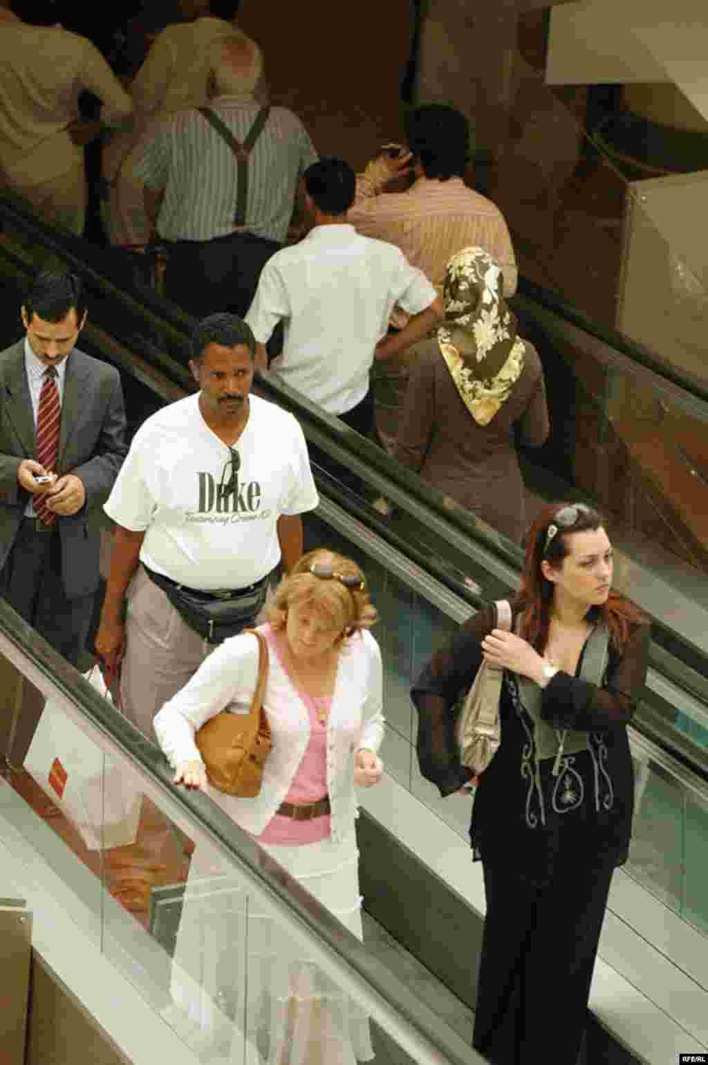 مراکز خرید یکی از جاذبه های دیدنی دبی