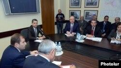 Совещание в Министерстве здравоохранения под руководством премьер-министра Тиграна Саргсяна, Ереван, 11 октября 2012 г.