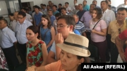 Зрители и журналисты на оглашении приговора Ундиргенову и Адилову. 1 августа 2016 года.