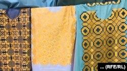 یخنهاییکه بهدست زنان هرات با طرحهای مختلف خامک دوزی شده است.