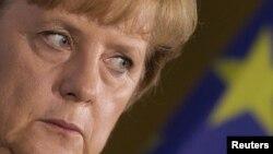 У германских политиков накопилось много вопросов к канцлеру Ангеле Меркель