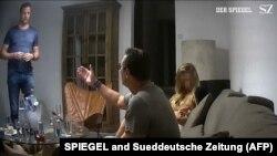 Част от видеото от Ибиса с бившият вицеканцлер Хайнц-Кристиан Щрахе.